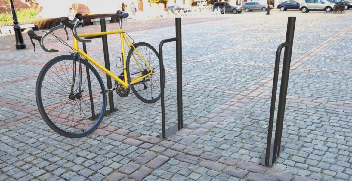 "<h1 class=""glowna"">BICYCLE RACK TORONTO</h1>"